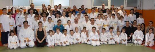 dombasle-sur-meurthe-seance-de-karate-en-famille-sur-le-tatami-1463437969
